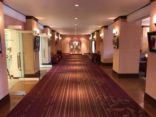 フルーツパーク富士屋ホテルの廊下