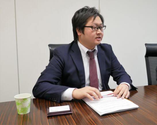 SBI証券 投信・債券部 課長代理の鳴海さん