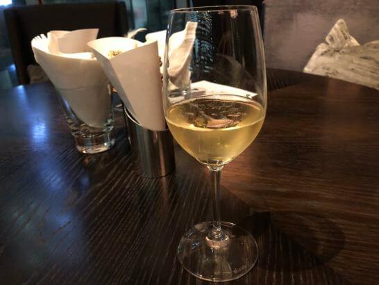 ラグジュアリーソーシャルアワーのシャンパン(ブリュット・レゼルヴ・カルト・ドール グラン・クリュ N.V)