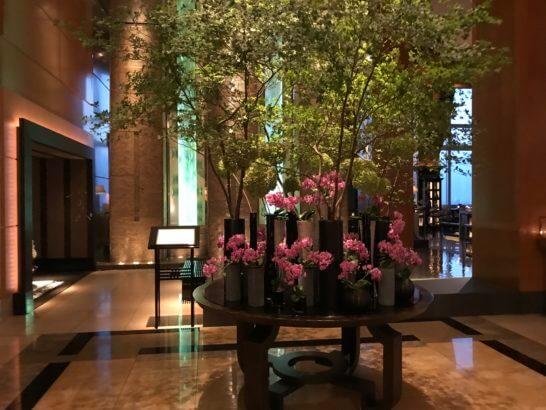 ザ・リッツ・カールトン東京のロビーの花