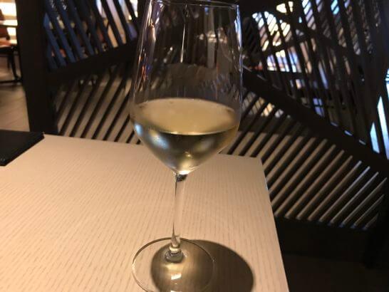ヒルトン小田原「フローラ」の白ワイン