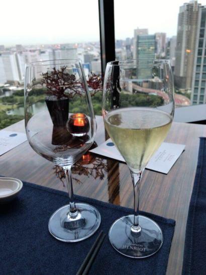コンラッド東京のチャイナブルーのシャンパン