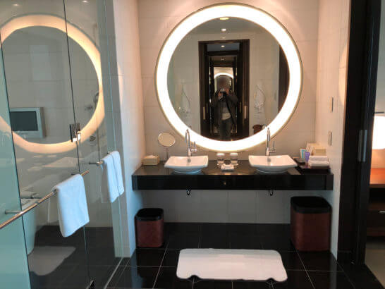 コンラッド東京のスイートルームの洗面所