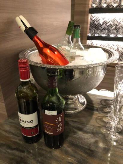 琵琶湖マリオットホテルのクラブラウンジのワイン