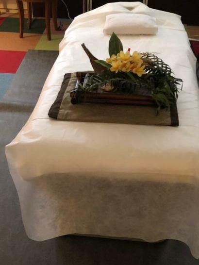アロママッサージのベッド