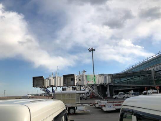 ANAの飛行機への搭乗口