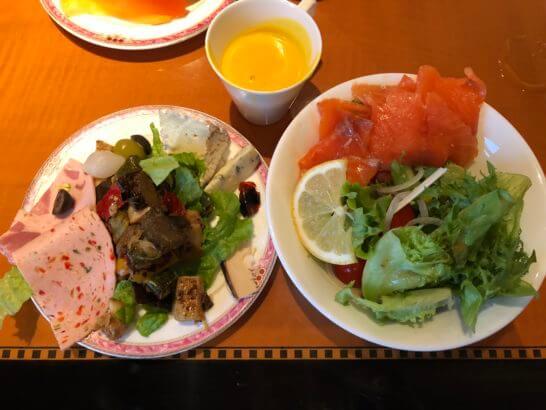 ウェスティンホテル東京 エグゼクティブ クラブラウンジのコールドミールとスープ