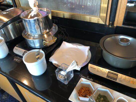 ウェスティン・エグゼクティブ・クラブラウンジの朝食 (味噌汁・おかゆ)
