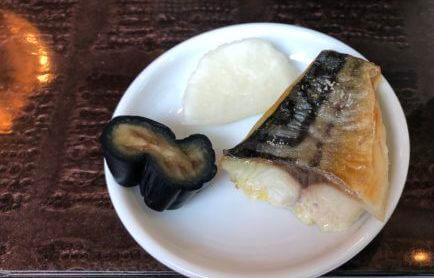 ウェスティンホテル東京のザ・テラスのサバと漬物