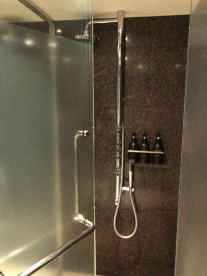 ル・スパ・パリジエンのシャワー