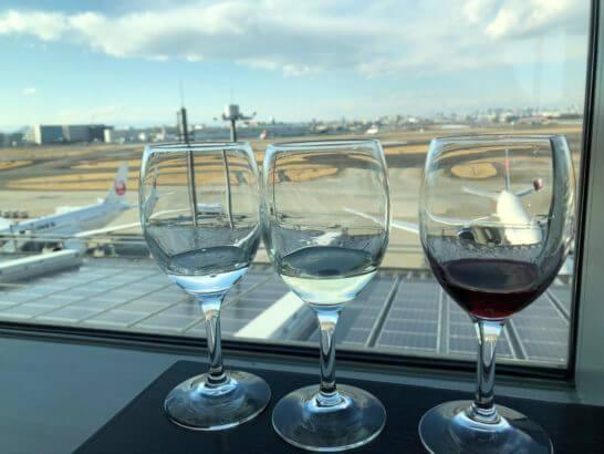 TIAT LOUNGE ANNEXの白ワイン、日本酒、赤ワイン
