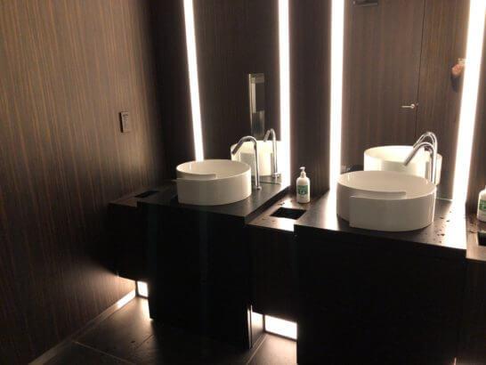 TIAT LOUNGE ANNEXのトイレ