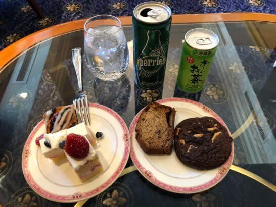 ウェスティンホテル東京のエグゼクティブ クラブラウンジのティータイムの飲食