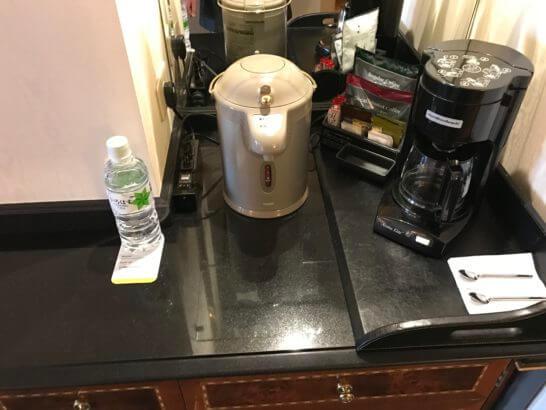 ウェスティンホテル東京のお湯・コーヒーマシン