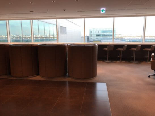 サクララウンジ(羽田空港国際線)5Fの窓際席
