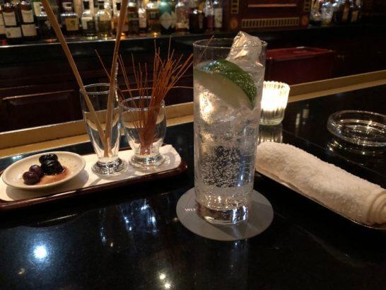ウェスティンホテル東京のザ・バーのジントニック