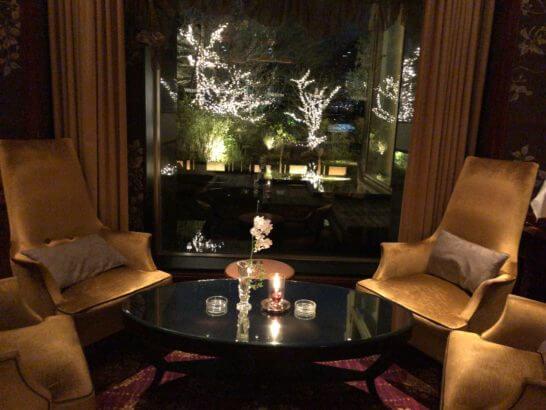 ウェスティンホテル東京のザ・バーの窓際