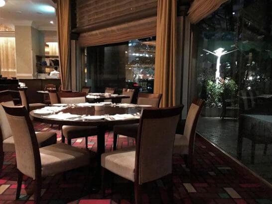 ウェスティンホテル東京のザ・テラスの窓際席
