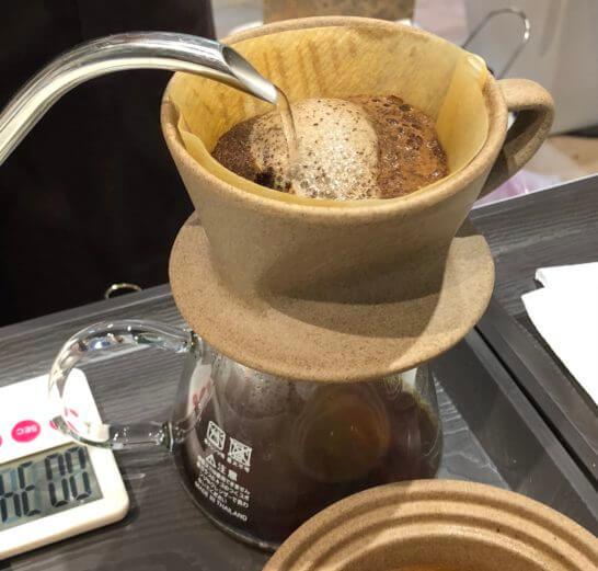 The Roastで焙煎したコーヒー豆の抽出時の泡の膨らみ