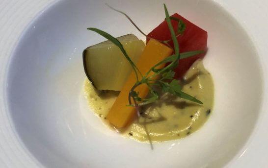 ジャガイモのピューレと野菜のマリネ
