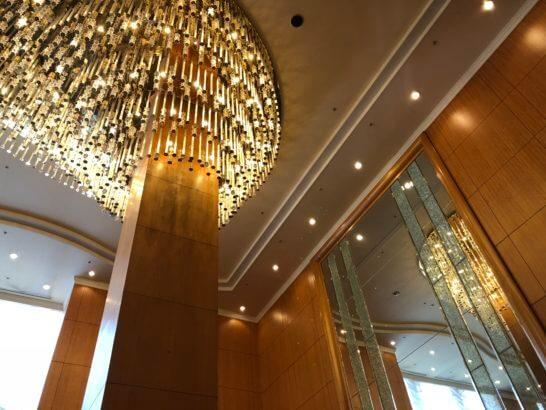 横浜ベイシェラトンホテル&タワーズのロビーラウンジの天井