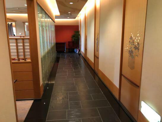 木の花の廊下