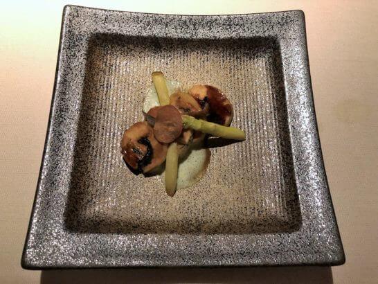 七谷赤鶏 アスパラ バロティーン肉から作ったアスパラガスのソースアンチョビ オリーブオイル