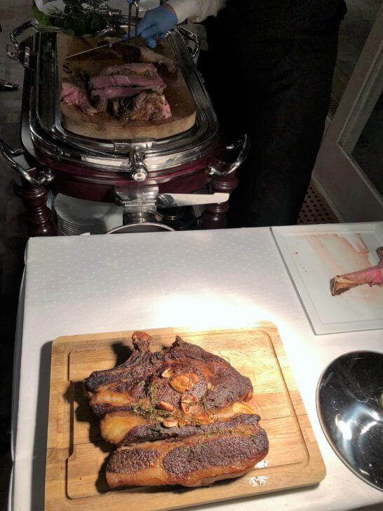 LA LISTE日本最優秀レストランを祝うレセプションのローストビーフ (2)