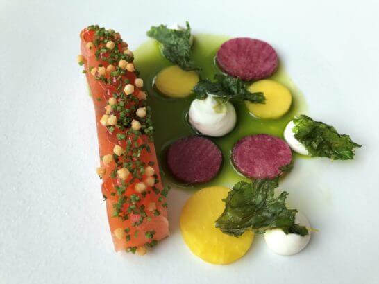 コンラッド東京のコラージュのタスマニアサーモンのマリネ フロマージュブランと山葵