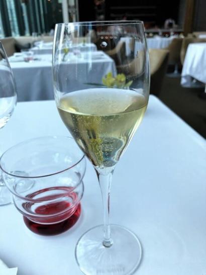 コンラッド東京のコラージュのシャンパン