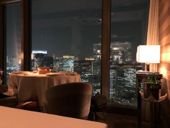マンダリンオリエンタルホテル東京のシグネチャーからの夜景