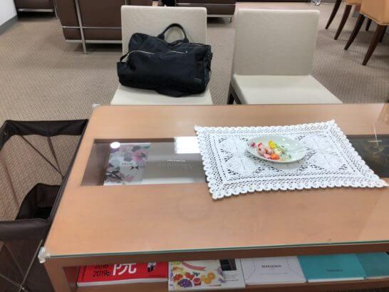 伊勢丹立川店のお得意様サロンのテーブル