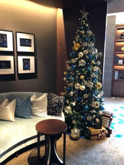 横浜ベイシェラトン ホテルのクラブラウンジのクリスマスツリー