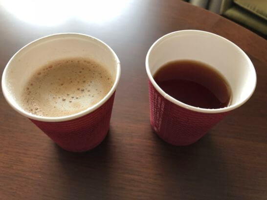 横浜ベイシェラトンホテルのクラブラウンジからテイクアウトした飲み物