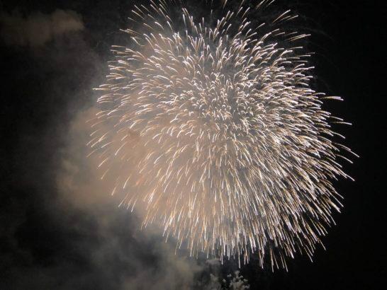 アメックスの横浜花火大会の花火 (4)