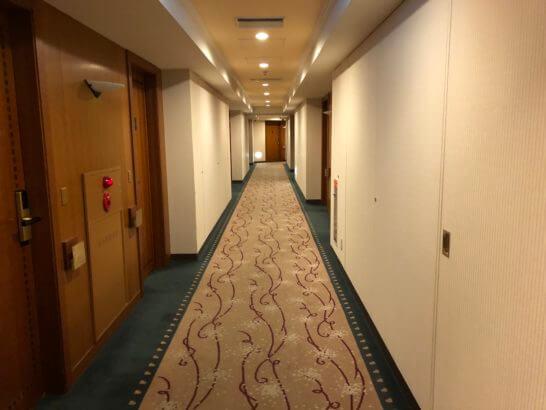横浜ベイシェラトン ホテルの通常フロアの廊下