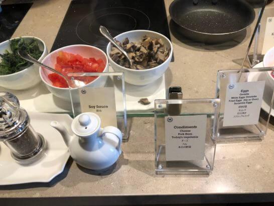 横浜ベイシェラトン ホテルのクラブラウンジの朝食時のエッグステーション (3)