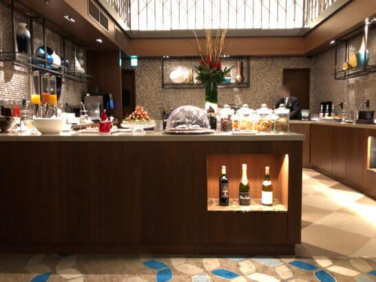 横浜ベイシェラトン ホテルのクラブラウンジのカクテルタイム