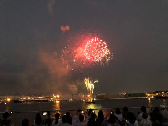 アメックスの横浜花火大会の花火 (1)