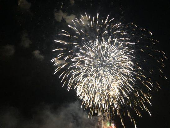 アメックスの横浜花火大会の花火 (6)