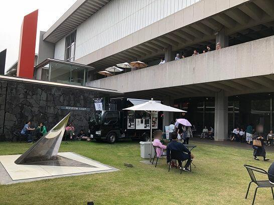 東京国立近代美術館の入り口