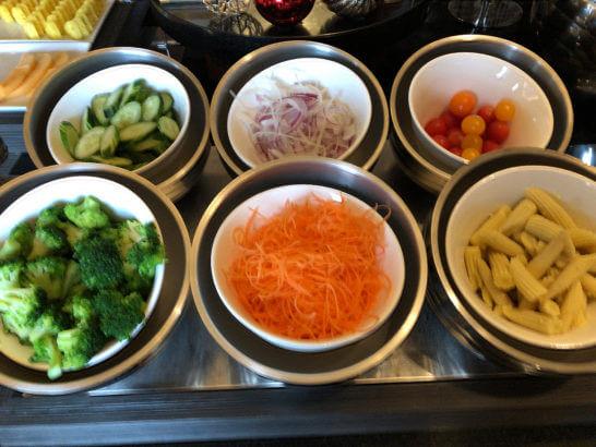 横浜ベイシェラトン ホテルのクラブラウンジの野菜類