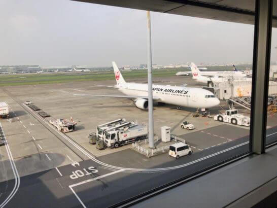 サクララウンジからの景色(JALの飛行機)