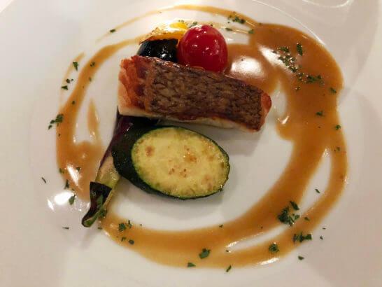 真鯛のポワレ シェリービネガーソース