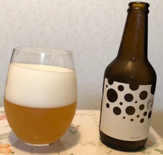 赤ワイングラスに注いだRococo Tokyo White