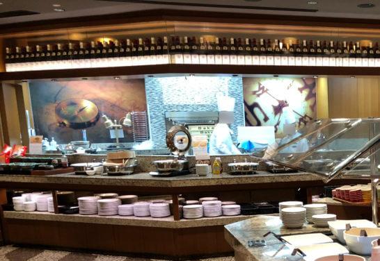 横浜ベイシェラトンホテルのコンパスの朝食ホットミールとエッグステーション
