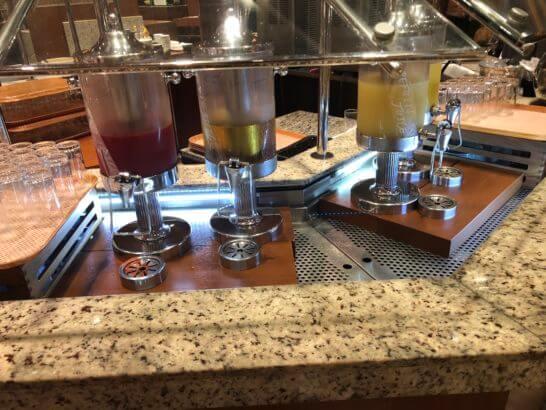 横浜ベイシェラトンホテルのコンパスのジュース