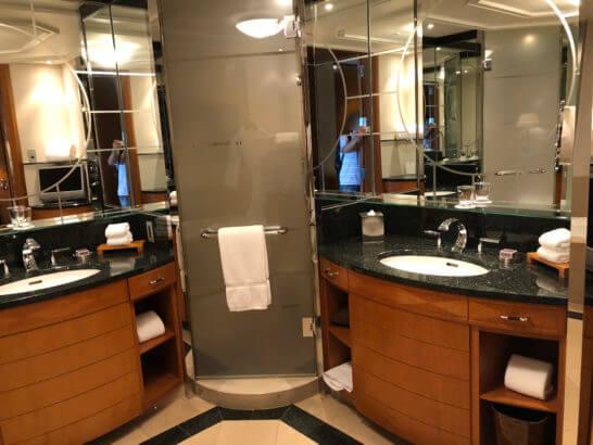 ザ・リッツ・カールトン東京の洗面台・シャワー