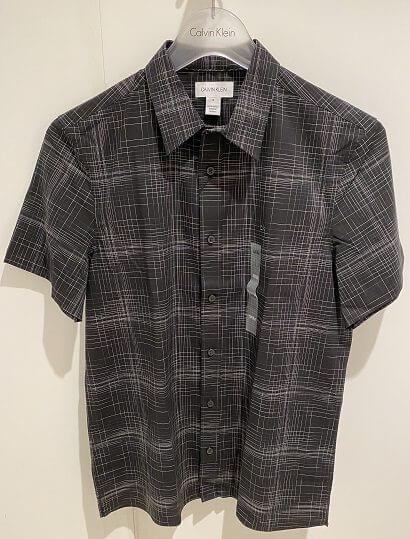 グアムのアウトレットストアで購入したカルヴァン・クラインのシャツ
