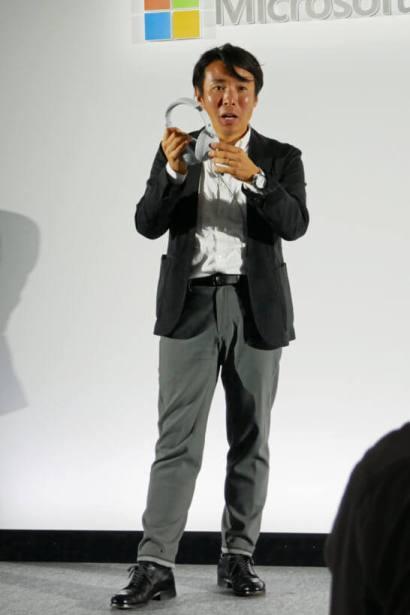 Surface Headphonesを解説する日本マイクロソフト社員